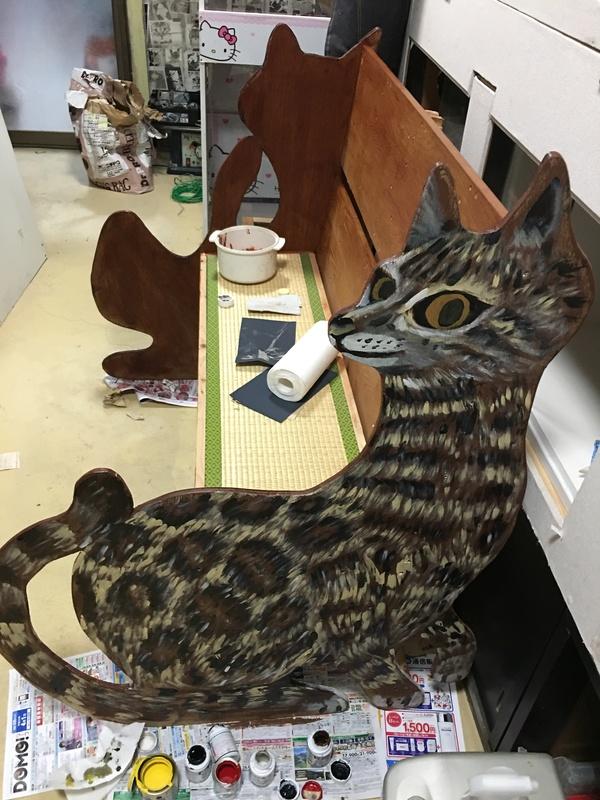 手作りの猫ベンチです画像